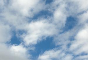 Cloudshoriz48dreamstimefree_19055164