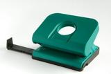 Groene perforator met maatstokje 16dreamstimefree_2135823-001